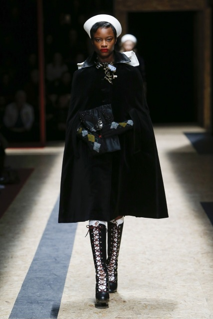 prada-fall-2016-winter-2017-latest-fashion-collection-outfits (39)