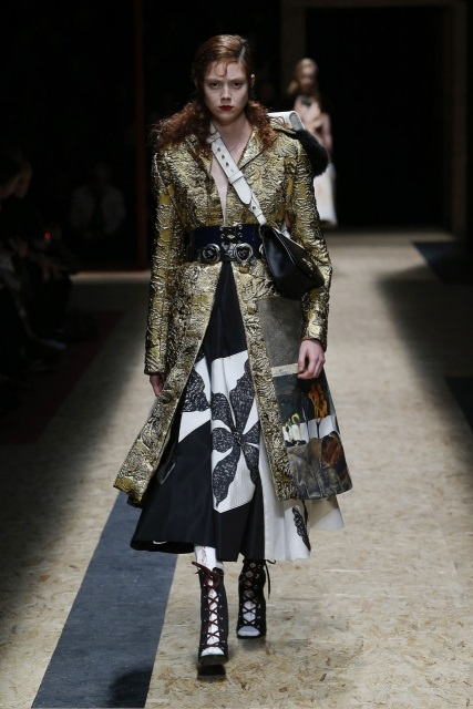 prada-fall-2016-winter-2017-latest-fashion-collection-outfits (50)