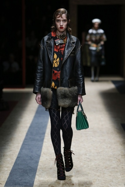 prada-fall-2016-winter-2017-latest-fashion-collection-outfits (9)