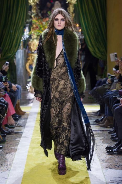 roberto-cavalli-fall-2016-winter-2017-womens-fashion-collection (47)