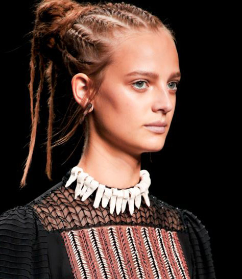 valentino-latest-trends-makeup-styles-spring-summer-2016-look-no-makeup-nude