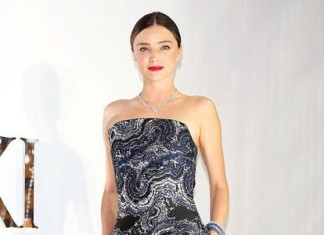 winter-celebrity-outfits-british-designers-miranda-kerr-a-line-strapless-dress-2016