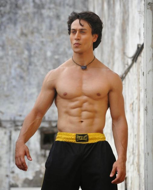tiger shroff top bollywood actor best hero six 6 pack abs. Black Bedroom Furniture Sets. Home Design Ideas