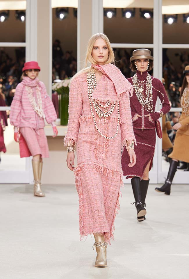 chanel-fall-winter-2016-collection-rtw-ready-to-wear-dresses (14)-pink-tweed-pearls