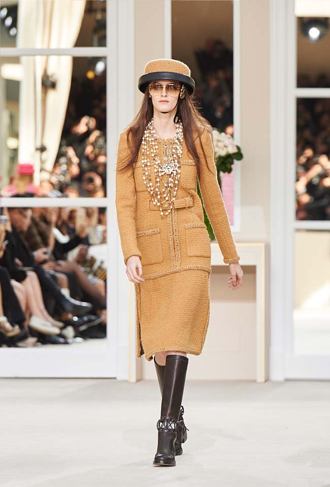 chanel-fall-winter-2016-collection-rtw-ready-to-wear-dresses (17)-mustard-outfit