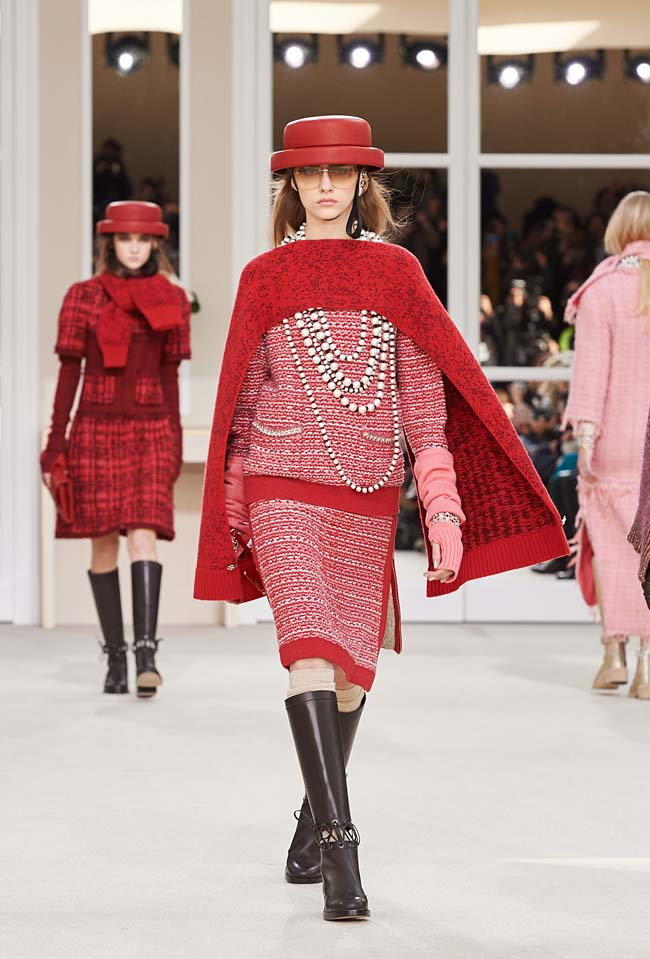 chanel-fall-winter-2016-collection-rtw-ready-to-wear-dresses (18)-red-scarf-dress