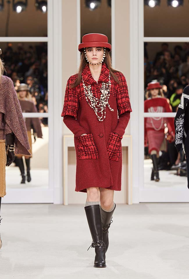 chanel-fall-winter-2016-collection-rtw-ready-to-wear-dresses (22)-red-dress-sleeves