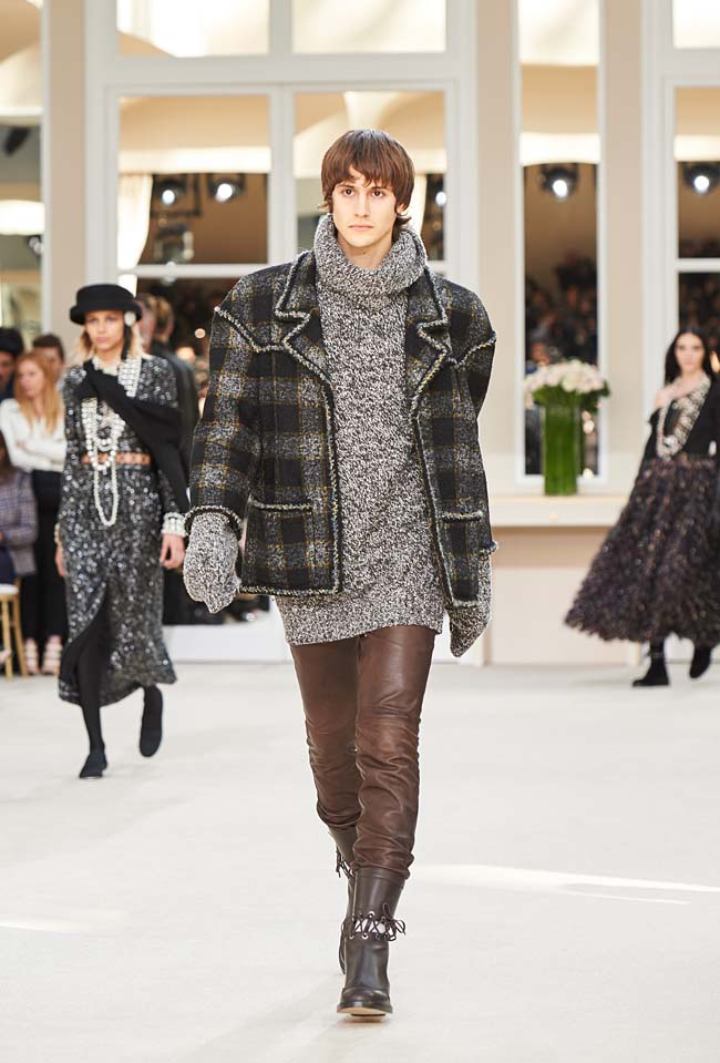 chanel-fall-winter-2016-collection-rtw-ready-to-wear-dresses (77)-latest-fw16-outfit-mens