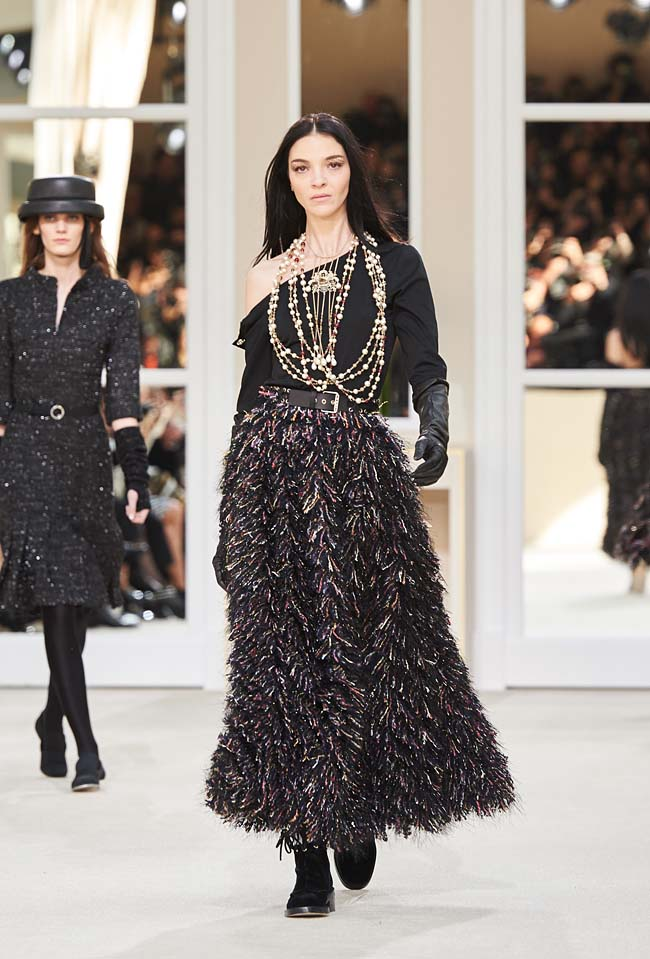 chanel-fall-winter-2016-collection-rtw-ready-to-wear-dresses (79)-atest-one-sleeved-dress