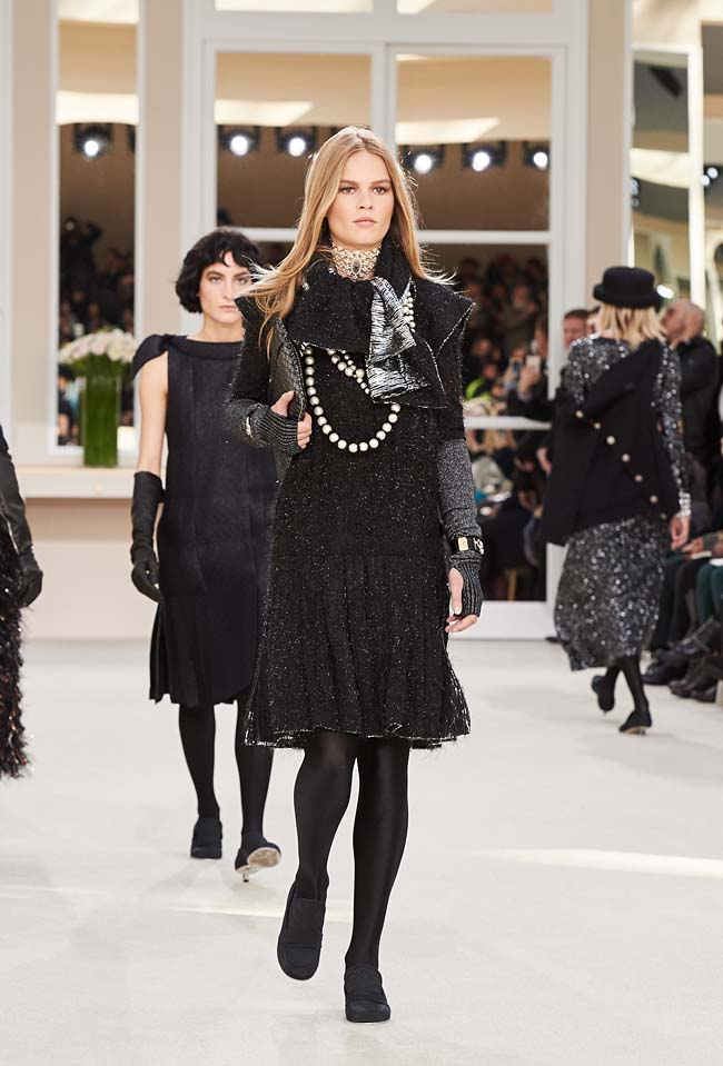 chanel-fall-winter-2016-collection-rtw-ready-to-wear-dresses (82)-best-outfit-fw16-scarf-ruffle
