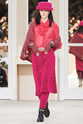 chanel-pink-outfit-fashion-week-show-fw16-rtw-fall-winter-dress