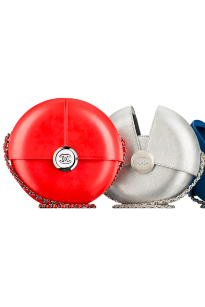 chanel-red-round-evening-clutch-ss16-latest-handbag-trends-top-spring-2016