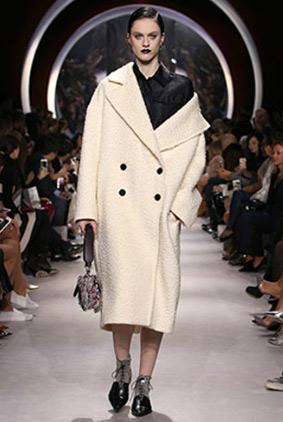 dior-black-lipstick-white-coat-fashion-week-show-fw16-rtw-fall-winter-dress