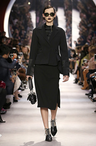 dior-fall-2016-winter-2017-fw16-rtw-fashion-collection-dresses (1)-outfit-black