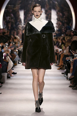 dior-fall-2016-winter-2017-fw16-rtw-fashion-collection-dresses (27)