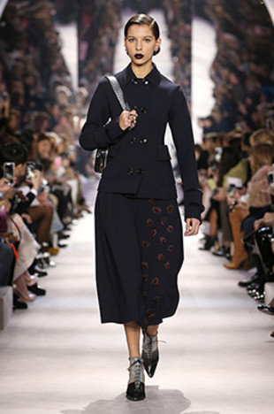 dior-fall-2016-winter-2017-fw16-rtw-fashion-collection-dresses (6)-black-jacket-midi-skirt