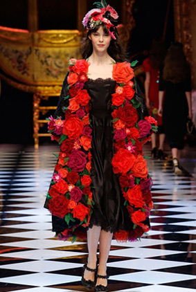 dolce-gabbana-red-coat-fashion-week-show-fw16-rtw-fall-winter-dress