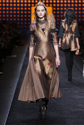 fendi-burnished-gold-dress-fashion-week-show-fw16-rtw-fall-winter-dress
