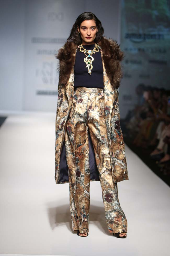 hemant-nandita-aw16-aifw-autum-winter-2016-dress (1)-coat-flared-pants-outfit