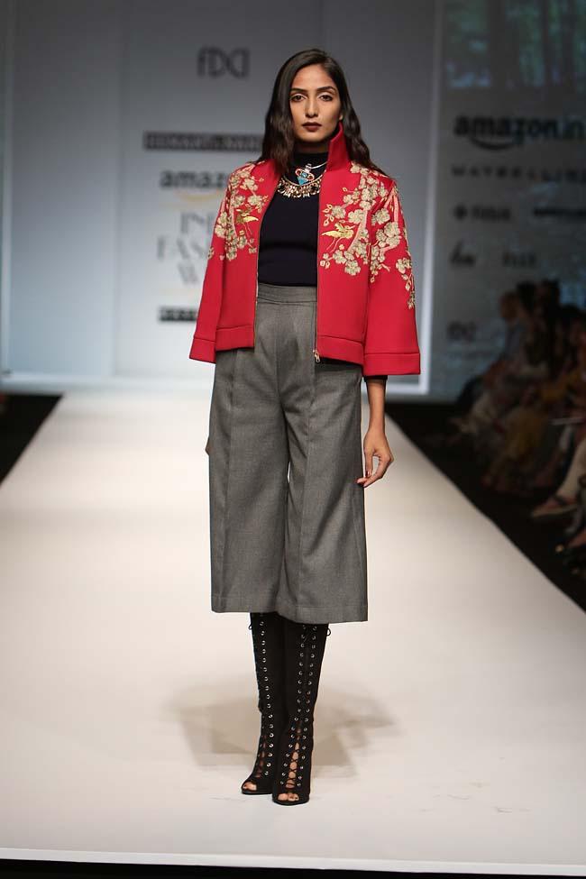 hemant-nandita-aw16-aifw-autum-winter-2016-dress (13)-culottes-red-jacket-makeup