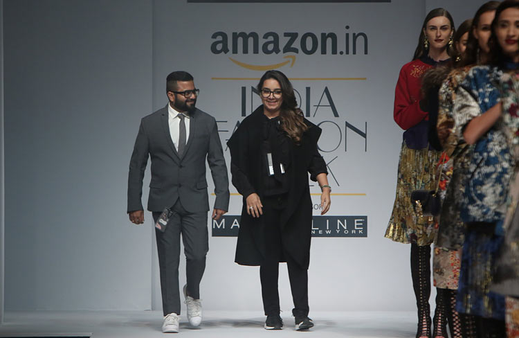 hemant-nandita-aw16-aifw-autum-winter-2016-dress (15)-designer-runway-fashion-show-amazon-india-week