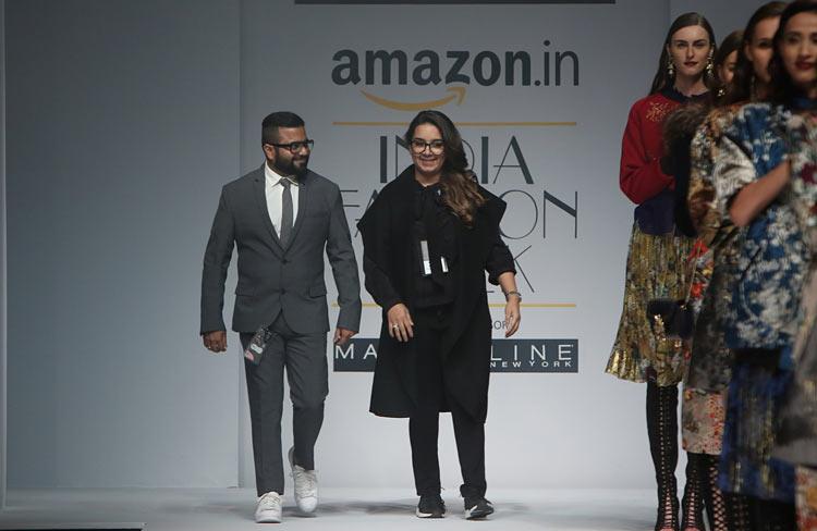 hemant-nandita-aw16-aifw-autum-winter-2016-dress (15)-designer-runway-fashion-show-amazon-india-week