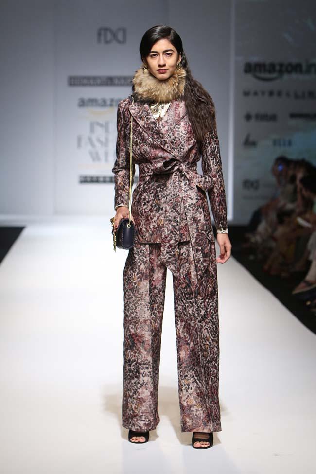 hemant-nandita-aw16-aifw-autum-winter-2016-dress (3)-pants-suit