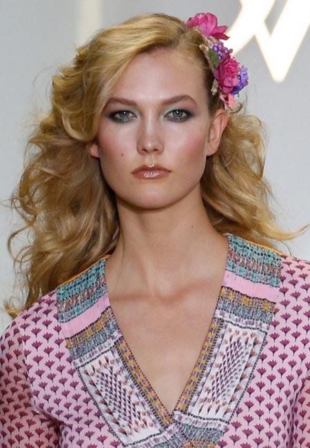 latest-spring-summer-2016-hairstyle-trends-ss16-70s-inspired-diane-von-furstenberg-dvf