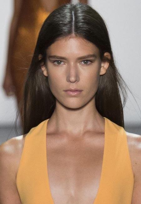 latest-spring-summer-2016-hairstyle-trends-ss16-center-part-prabal-gurung