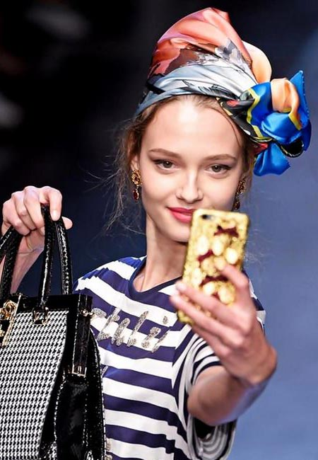 latest-spring-summer-2016-hairstyle-trends-ss16-head-scarf-dolce-and-gabbana