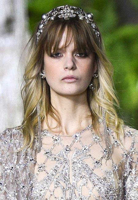 latest-spring-summer-2016-hairstyle-trends-ss16-headband-accessory-elie-saab