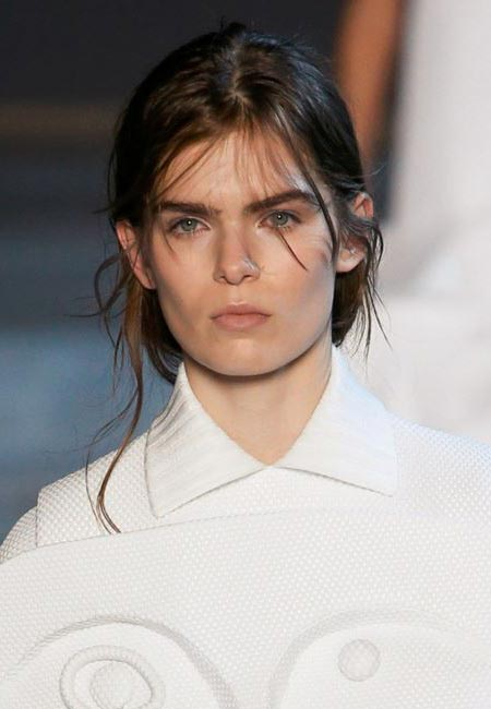 latest-spring-summer-2016-hairstyle-trends-ss16-loose-bun-viktor-rolf