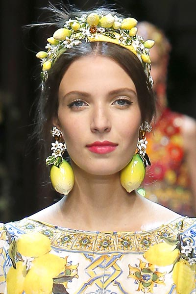 -latest-spring-summer-2016-jewelry-trends-ss16-dolce-and-gabbana-exotic