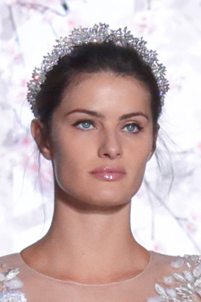 -latest-spring-summer-2016-jewelry-trends-ss16-ralph-russo-hair-accessories-embellished-headband