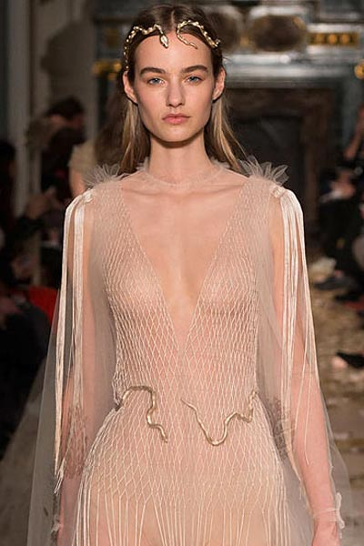 -latest-spring-summer-2016-jewelry-trends-ss16-valentino-spring-exotic