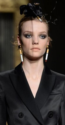 moschino-fall-winter-2016-17-womens-black-hair-accessory-cigarette-earrings
