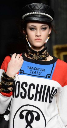 moschino-fall-winter-2016-17-womens-quilted-leather-cap-choker-bracelet-jewelry-necklace-earrinfs