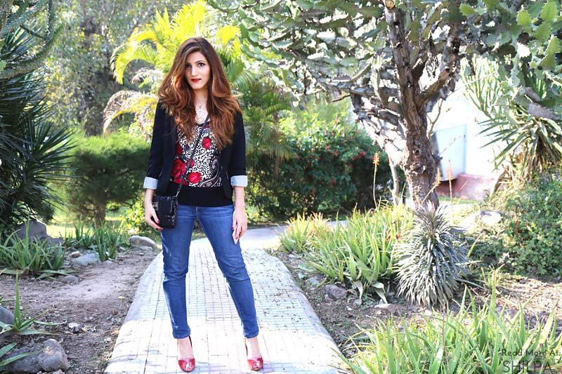 shilpa-ahuja-street-fashion-blogger-jeans-casual-look-spring-floral