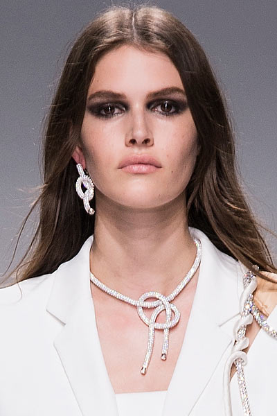 top-latest-spring-summer-2016-jewelry-trends-ss16-atelier-versace-swarovski-knot-single-earring