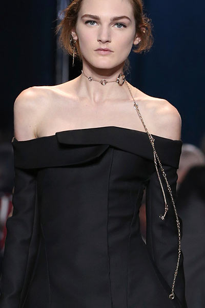 top-latest-spring-summer-2016-jewelry-trends-ss16-dior-long-chain-necklace