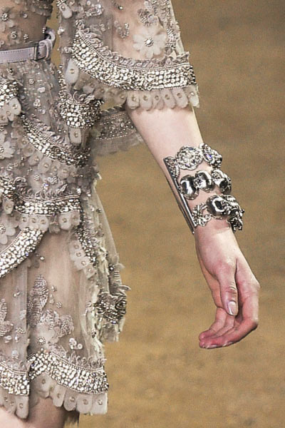 top-latest-spring-summer-2016-jewelry-trends-ss16-elie-saab-statement-bracelet