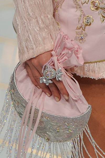 top-latest-spring-summer-2016-jewelry-trends-ss16-guo-pei-large-ring