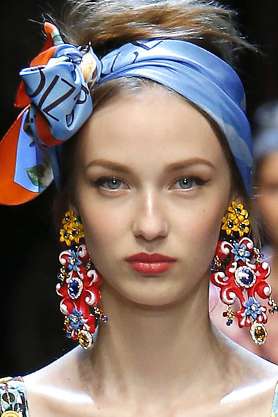 top-latest-spring-summer-2016-jewelry-trends-ss16-sicily-italy-themed-earrings-dolce-and-gabbana