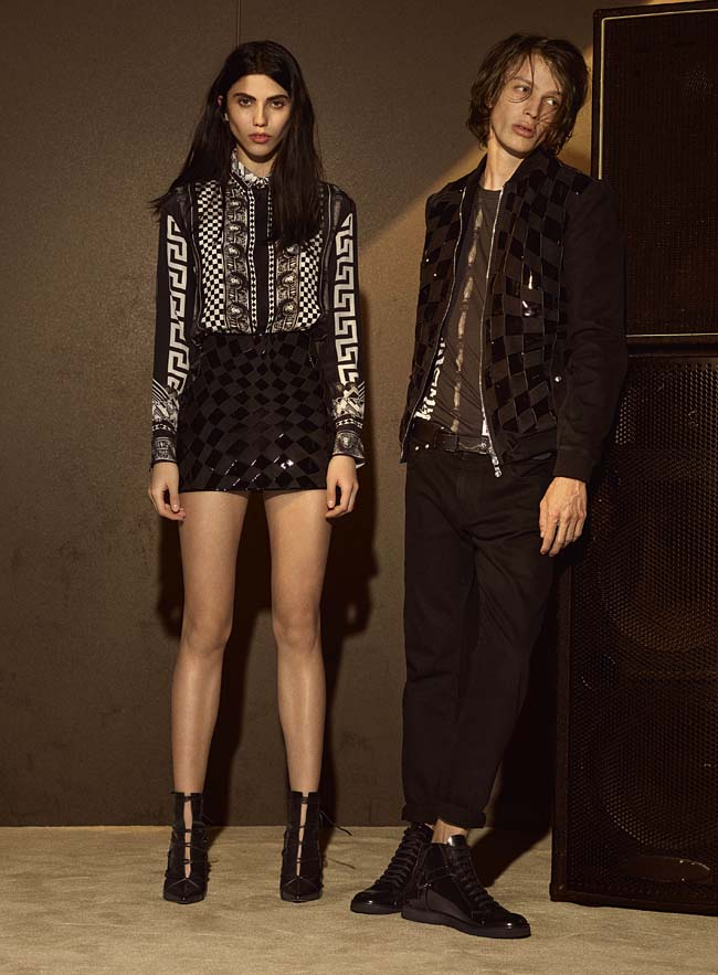 versus-versace-fw16-latest-collection-fashion-fall-winter-2016-outfit (17)-shorts-greek-pattern-shirt