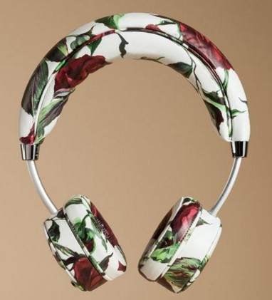 women-tech-fashion-brand-accessories-designer-collection-fancy-gift-items-dolce-gabbana-floral-headphones