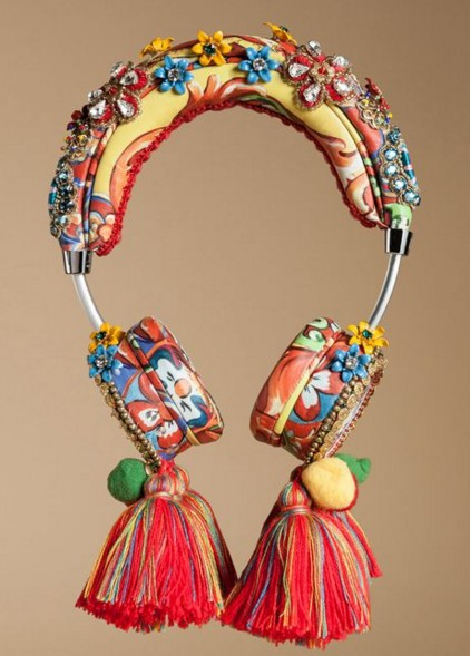 women-tech-fashion-brand-accessories-designer-collection-fancy-gift-items-dolce-gabbana-headphones