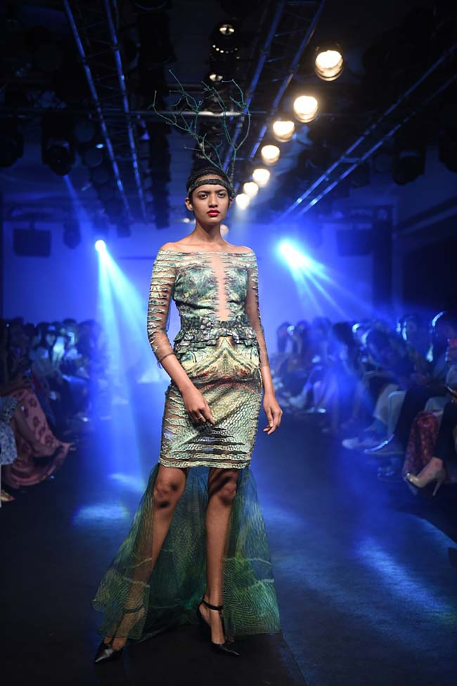 Asa-Kazingmei-lakme-fashion-week-spring-summer-2016-couture-collection-indian-gown-off-shoulder