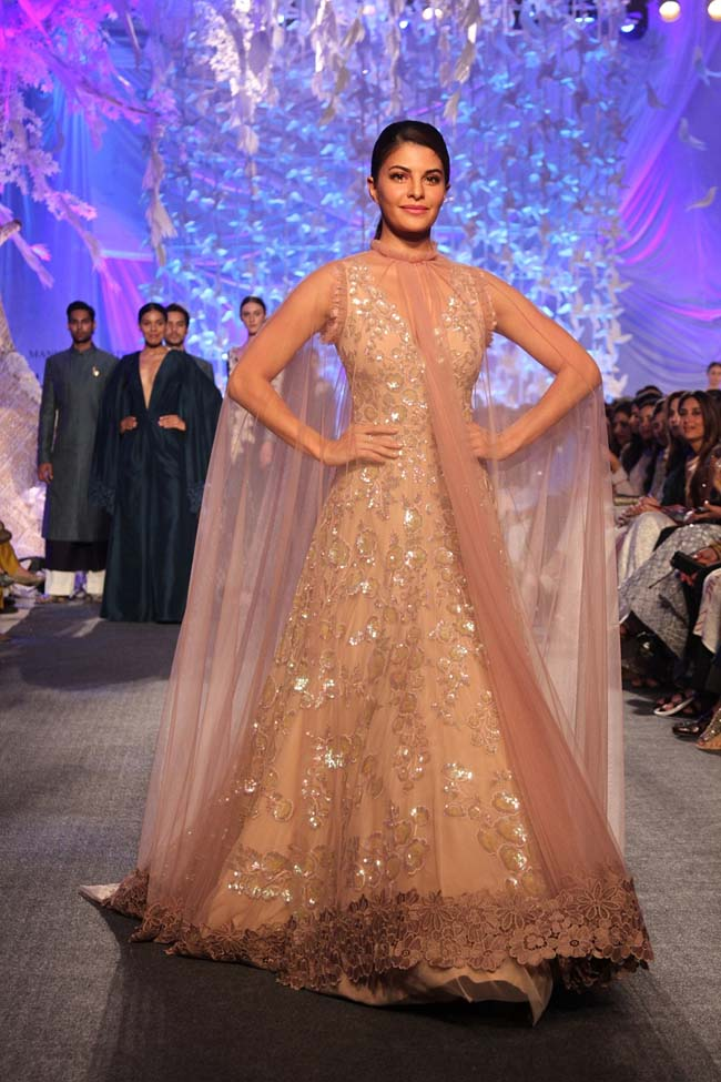 Manish Malhotra Spring Summer 2016 Collection Review