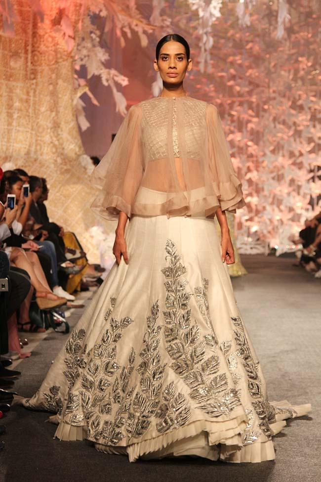Manish-Malhotra-Spring-Summer-2016-Collection-latest-white-cape-lehenga Manish Malhotra Wedding Dresses 2017-Top 20 Bridal Dress by Manish Malhotra