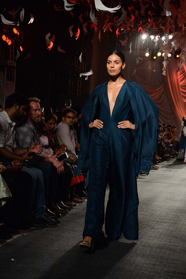 Manish-Malhotra-Spring-Summer-2016-Haute-Couture-fashion-show-blue-jumpsuit